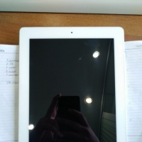 Продаю Apple iPad 2 Wi-Fi 16 Gb White