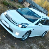 Toyota isis 2010,v1.8 2zr ,7мест